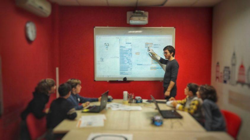 Laboratori DEL: ragazzi e genitori a scuola d'innovazione