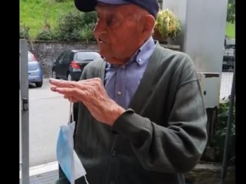 Diventa virale a 97 anni: la storia di nonno Francesco