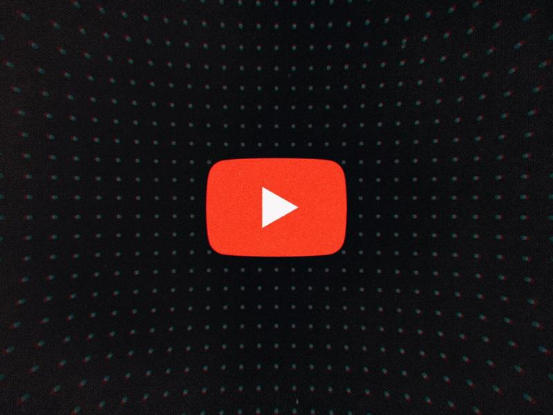 Thumbnail su YouTube a luci rosse, cosa sta accadendo?